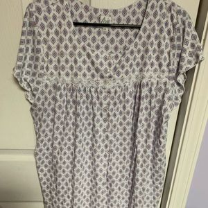 Very pretty printed long nightgown